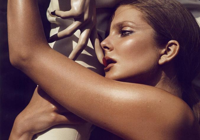 videók meztelen modellekrőlleszbikus vámpírgyilkosok szex jelenet