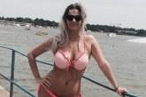 Kállai-Kiss Zsófi a Velencei-tónál vetkőzött bikinire