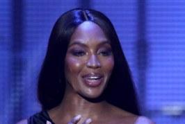 Atyaég! 46 évesen is irtó szexi Naomi Campbell